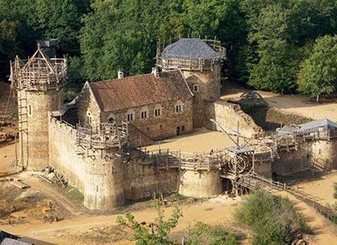 vue-générale-chateau-de-guédelon