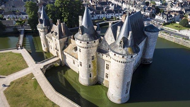 Château-de-Sully-sur-Loire-entrée