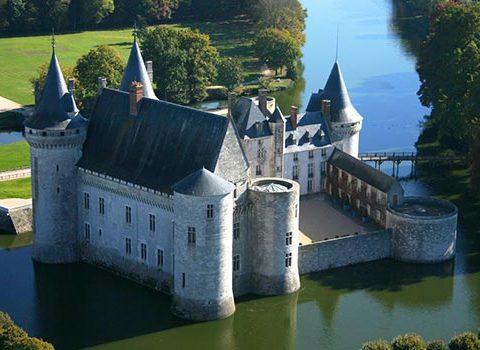 Château-de-Sully-sur-Loire-vue-générale