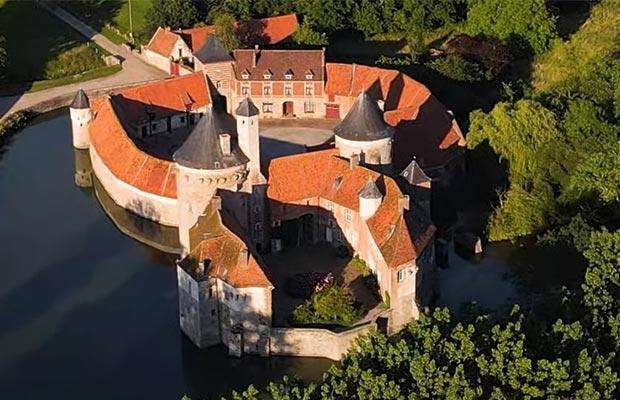 Château-d'Olhain-vue-de-la-haute-cour