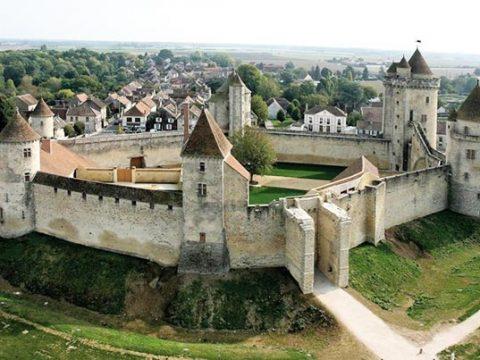 château-de-blandy-les-tours-vue-générale