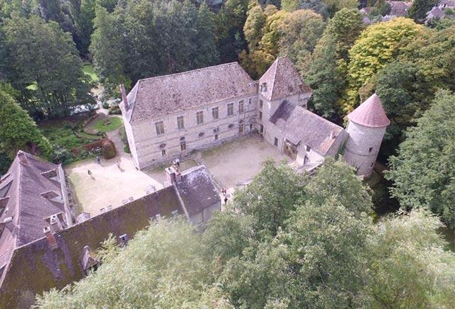 vue-générale-actuelle-chateau-de-villeconin
